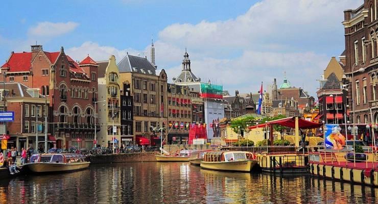 お祭りのアムステルダム