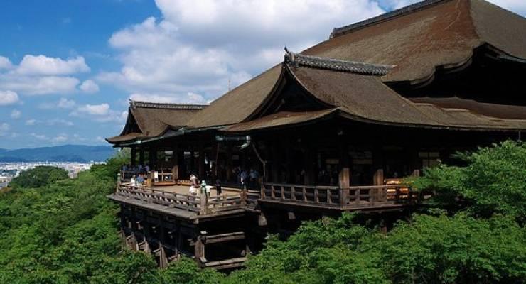 清水寺へのアクセス方法まとめ!人気の観光スポットで絶景を ...