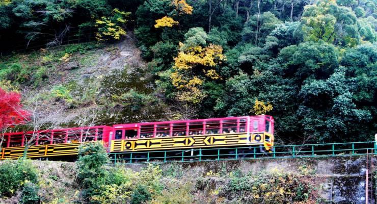 京都 トロッコ 列車 予約 トロッコ列車と保津川下り 京都じっくり観光