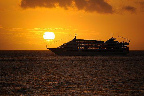 ハワイの夜はこれで決まり!ロマンチックなハワイのナイトライフの楽しみ方