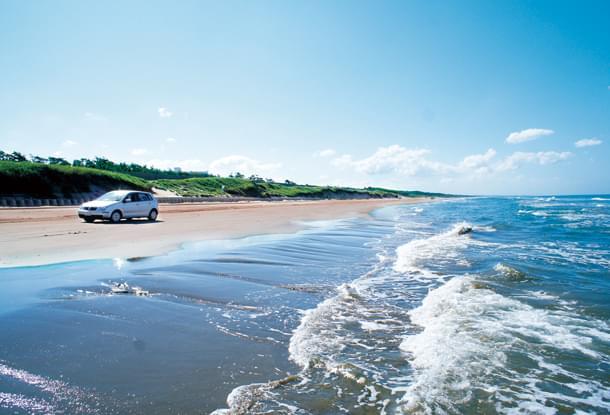 石川県羽咋市・車が走れる千里浜なぎさドライブウェイ大特集!まるでCM、こんな海岸は日本唯一
