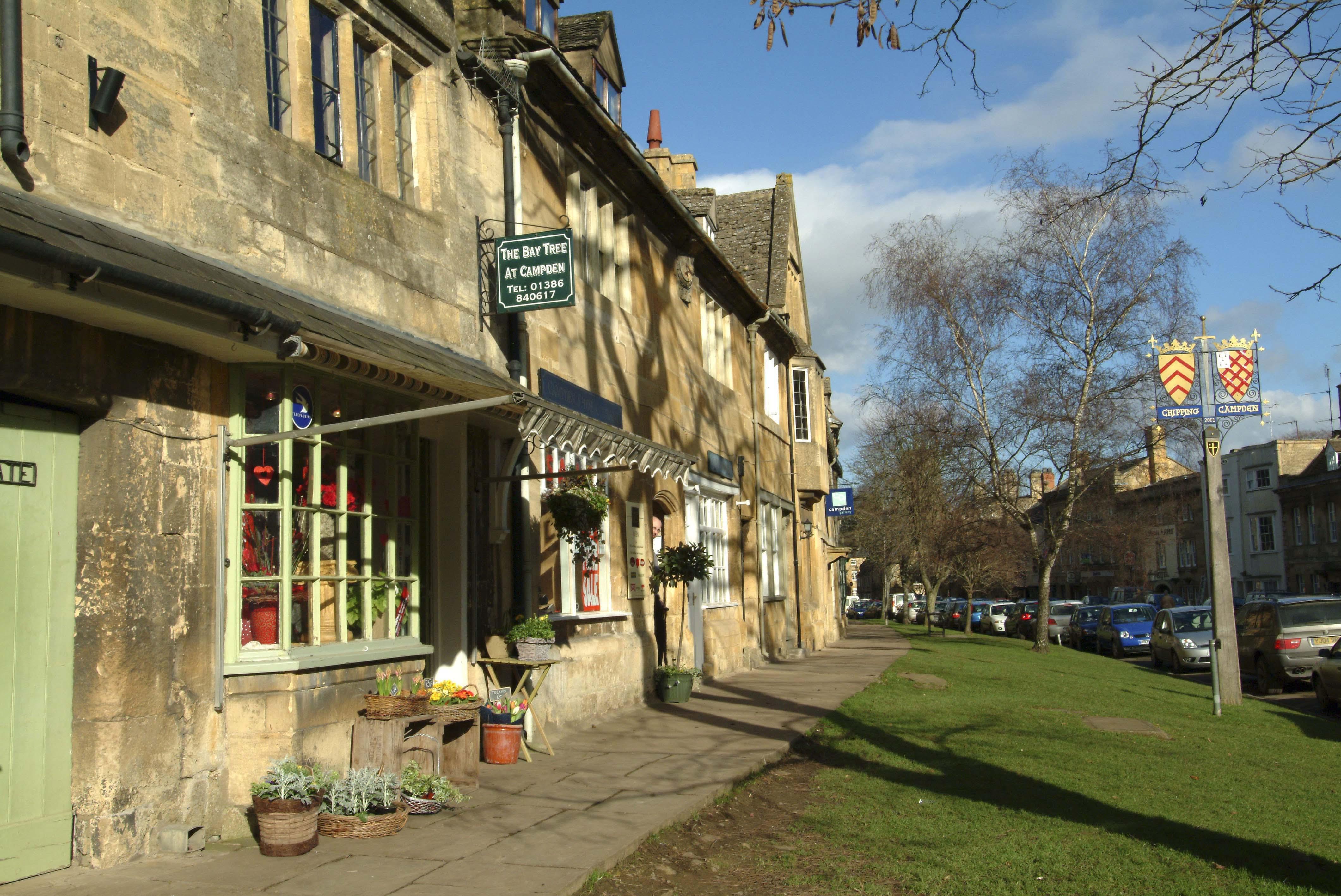 美しい英国マーケット・タウン! コッツウォルズのチッピング・カムデン
