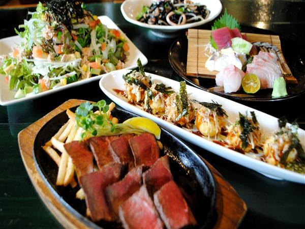沖縄の本当に地元の人が通う居酒屋おすすめ6選!定番沖縄料理やおでんも!