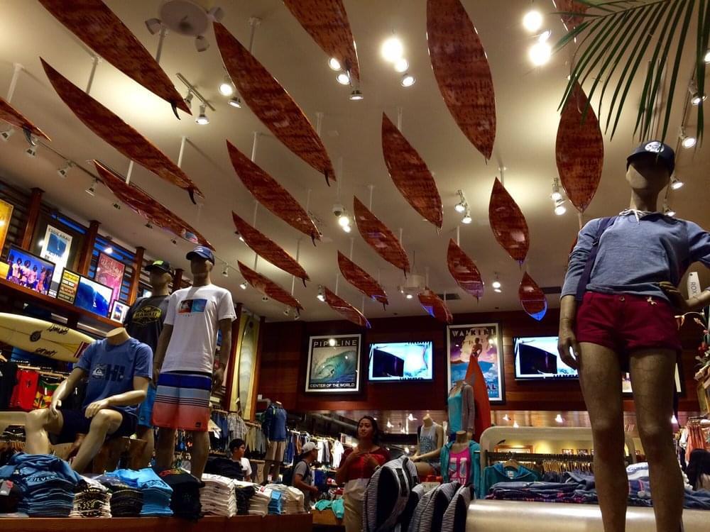サーフ・スタイルの決め手はここで! ハワイ・ホノルルの注目サーフTシャツ・ショップ特集