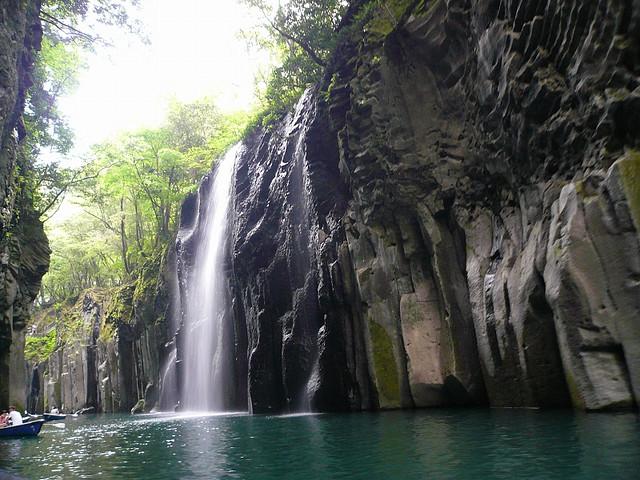 宮崎旅行で行くべきパワースポット5選!神社にモアイに天然記念物まで!