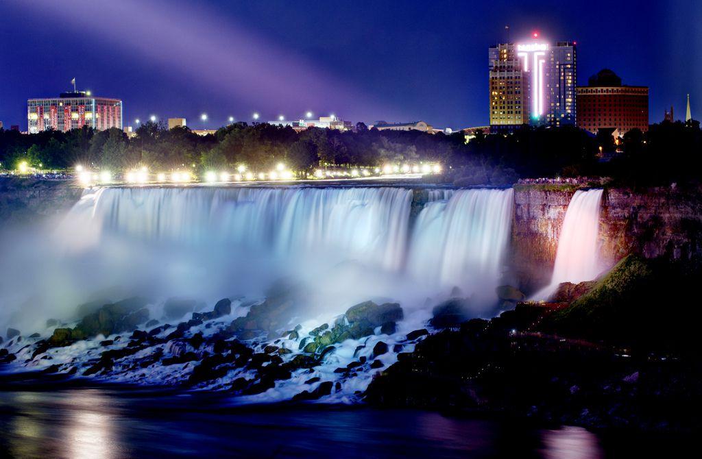 カナダ観光で外せない!大自然に触れる絶景スポット6選
