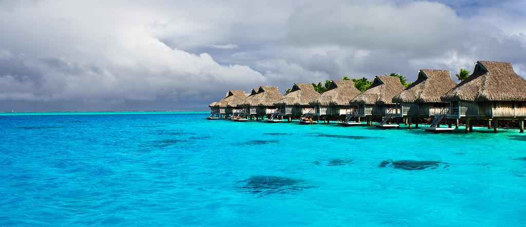 新婚旅行やダイビングも!タヒチで人気の島と観光スポットおすすめ5選