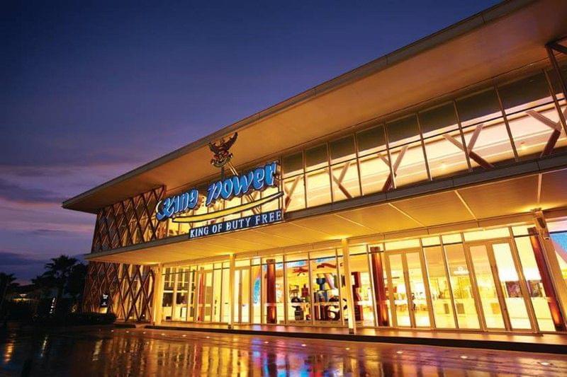 タイ・パタヤのビーチでマリンスポーツ!人気レストラン&エンターテイメントショーも紹介