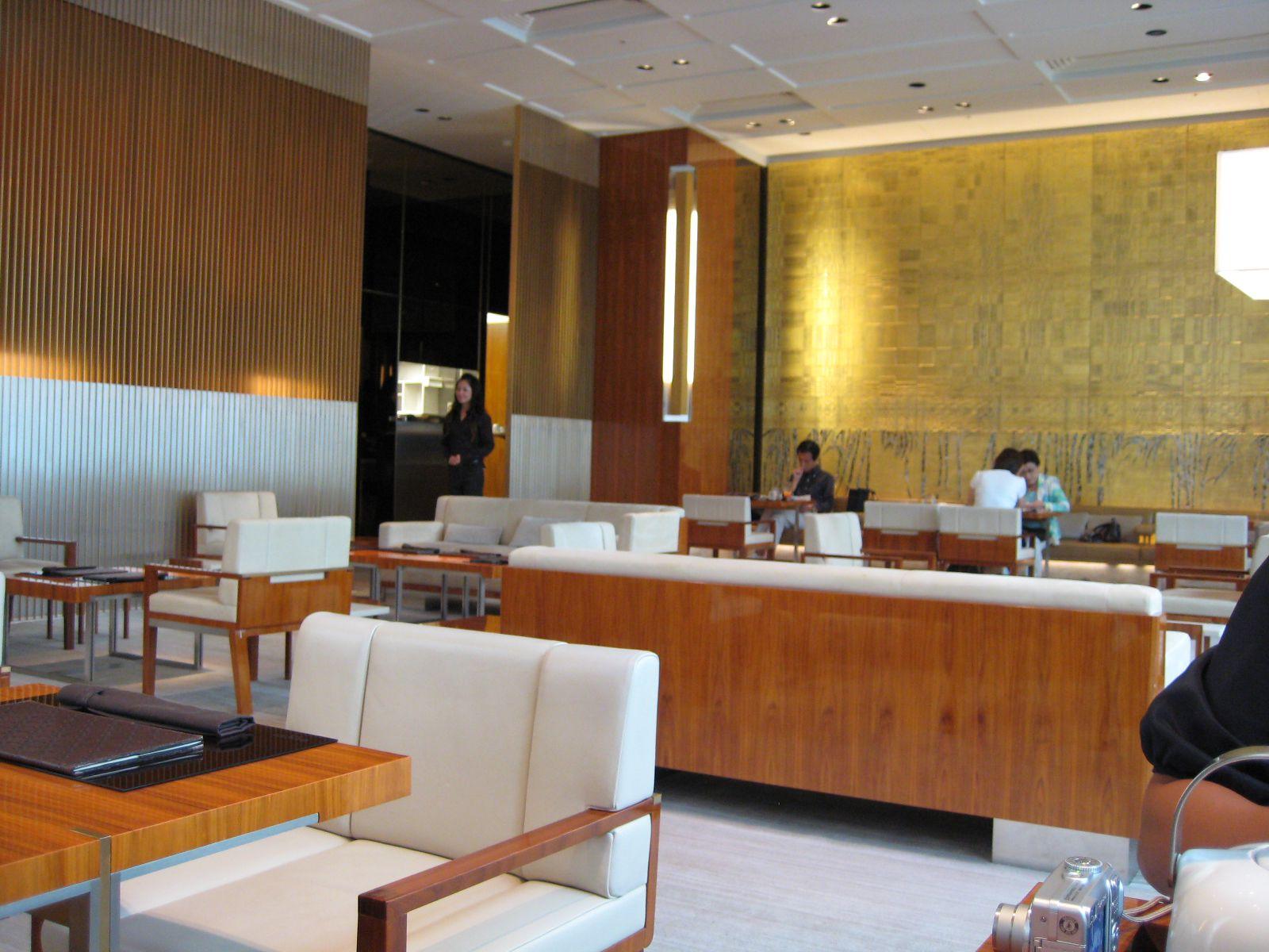 【東京】アルマーニも!高級ハイブランドが手掛けるカフェ・レストラン5選