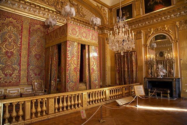フランス観光で必ず行くべき定番観光スポット「ヴェルサイユ宮殿」の見どころ徹底ガイド