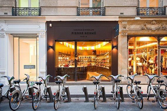 本場パリで訪ねる!超絶可愛いマカロンのお店5選