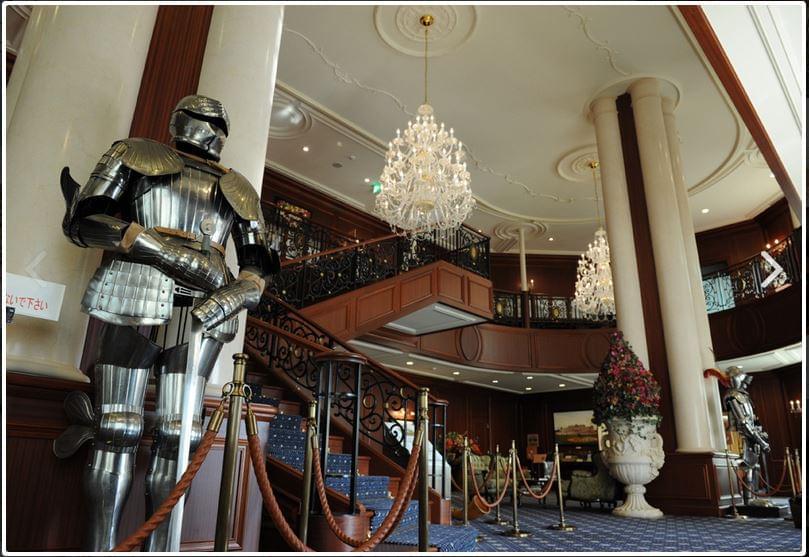 愛媛「KO宮殿工場」が食品工場とは思えない美しさ!モデルはベルヴェデーレ宮殿!