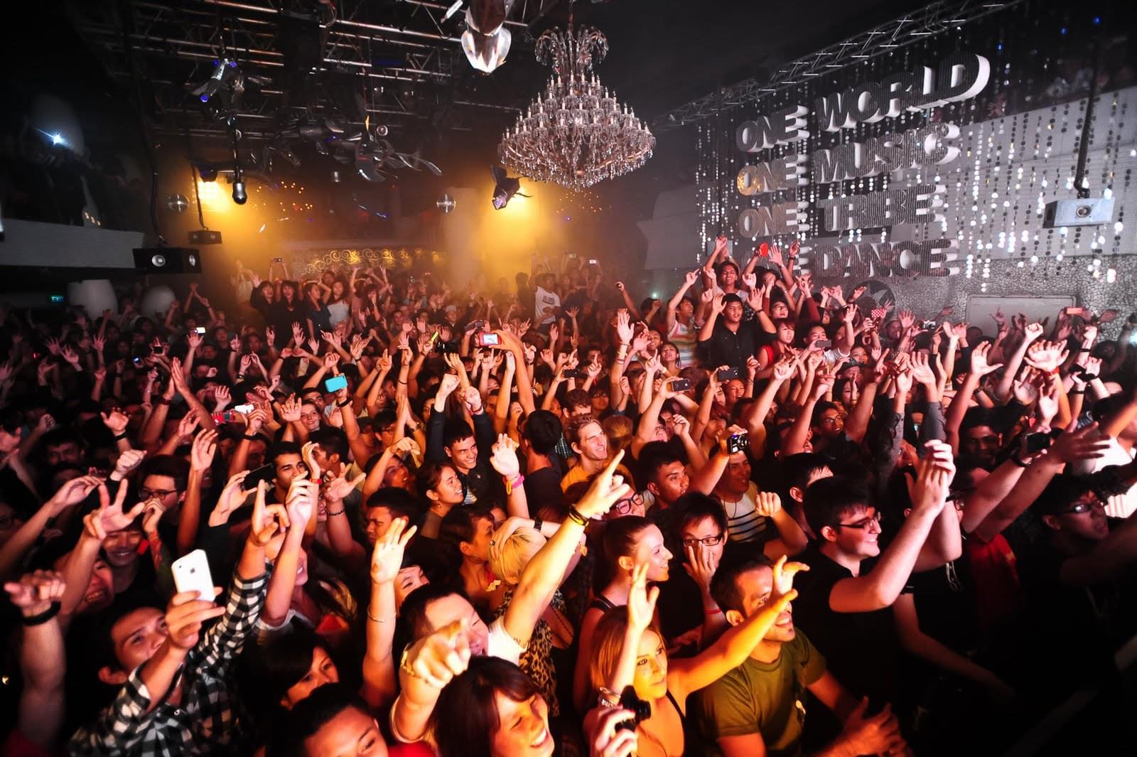 シンガポールのナイトライフを楽しむ!ナイトクラブで夜遊びしよう