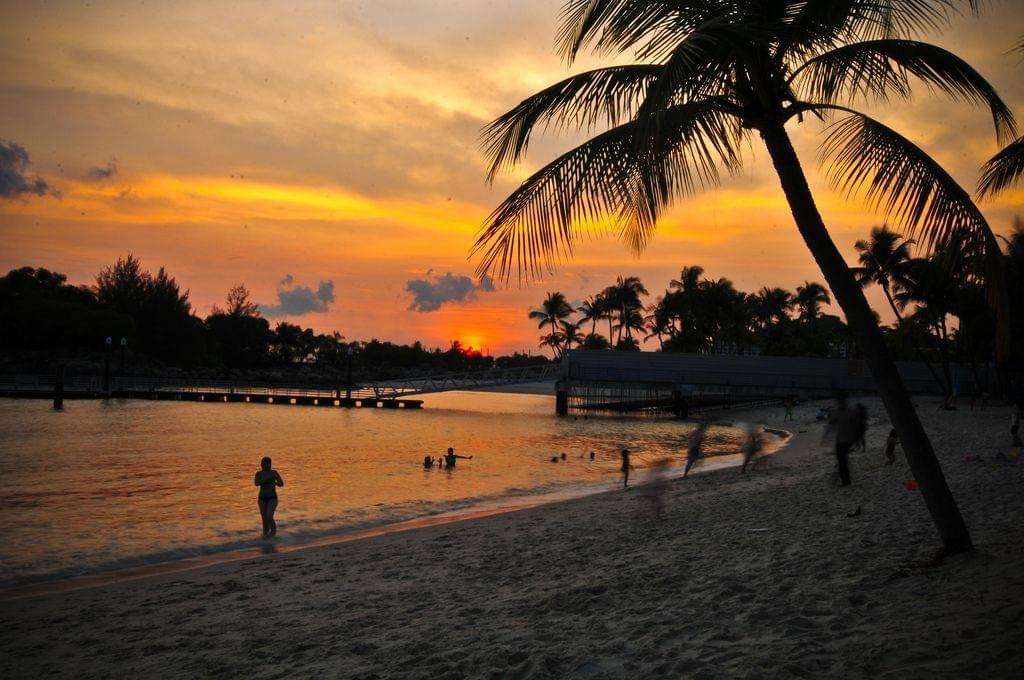 シンガポールで異国気分!セントーサ島のタンジョン・ビーチ・クラブがまるで欧米みたい