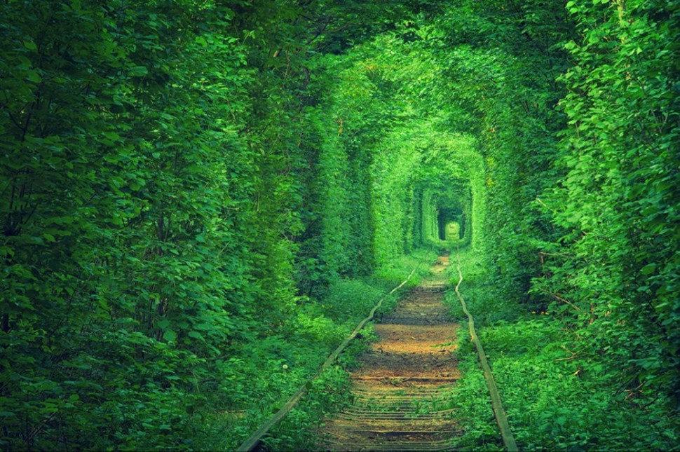 ウクライナ「恋のトンネル」の魅力・行き方まとめ!カップル旅行にぴったり♡パワースポットで永遠の愛を