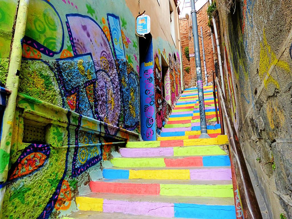 世界遺産の街チリ・バルパライソ!超カラフルな街並みが素敵すぎる!