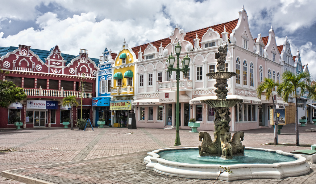 カリブ海の楽園「アルバ」とは?美しすぎる海が魅力の知られざる島で楽しむ観光情報大公開!