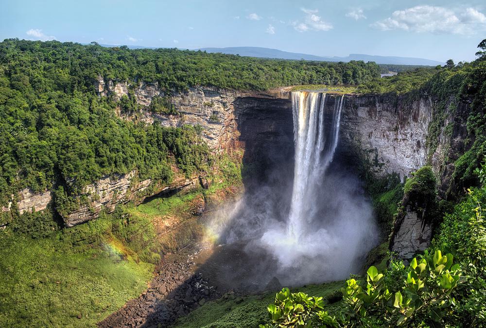 世界三大瀑布よりすごい滝!ガイアナで手つかずの自然を体感