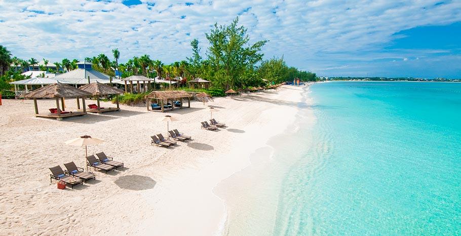 天国のように美しい海!「タークス・カイコス諸島」で至福の時間を味わう