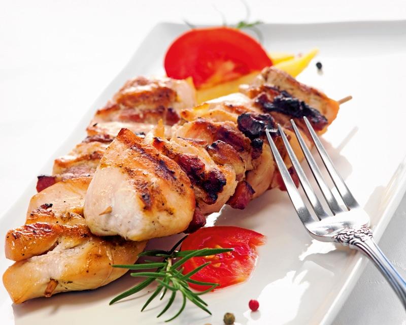 ドバイでローカルフードを食べよう!おすすめの野菜やシーフードづくしのラインナップ