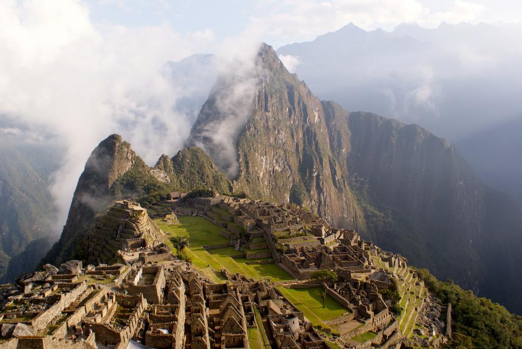 ペルー・インカ帝国の首都クスコの12角の石の魅力に迫る!謎に包まれた神秘の石
