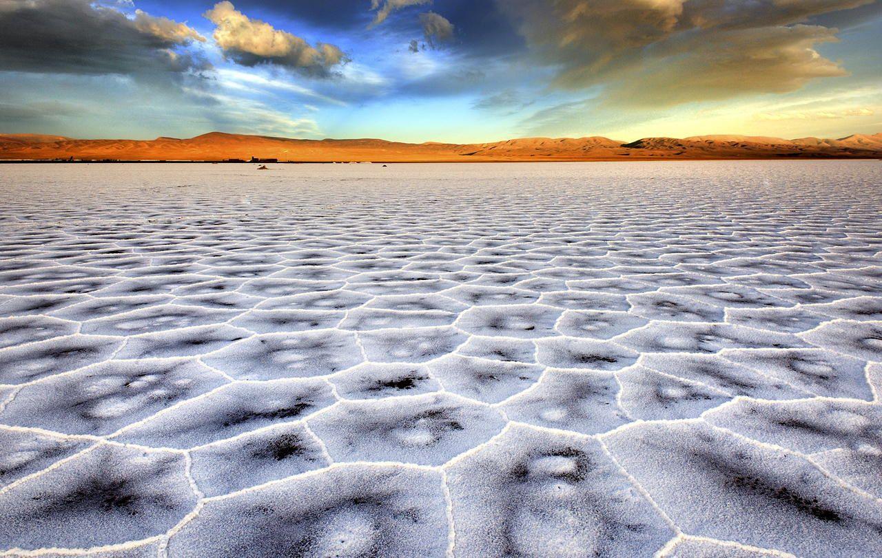 ウユニ湖超え!? アルゼンチンの秘境、サリーナス・グランデスの塩湖