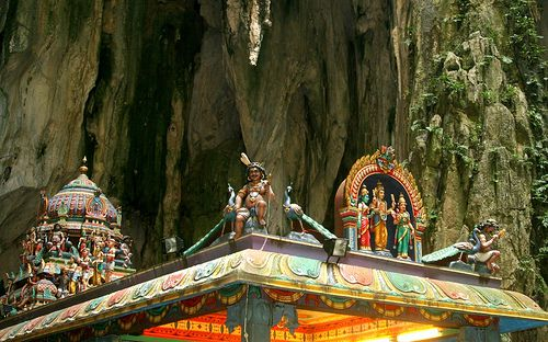 マレーシア・クアラルンプール郊外で見つけた観光スポット特集!鍾乳洞やホタルに会える魅惑エリアをご紹介