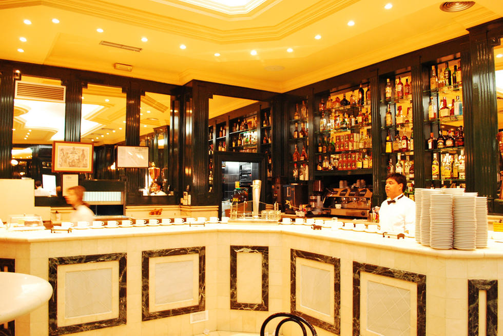 スペイン・マドリードのカフェで絶品スイーツ!歴史漂う老舗店5選