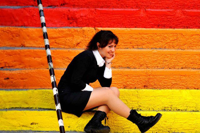 イスタンブール人気撮影スポット!ベイオール・ジハンゲル虹色階段でフォトジェニックな写真を
