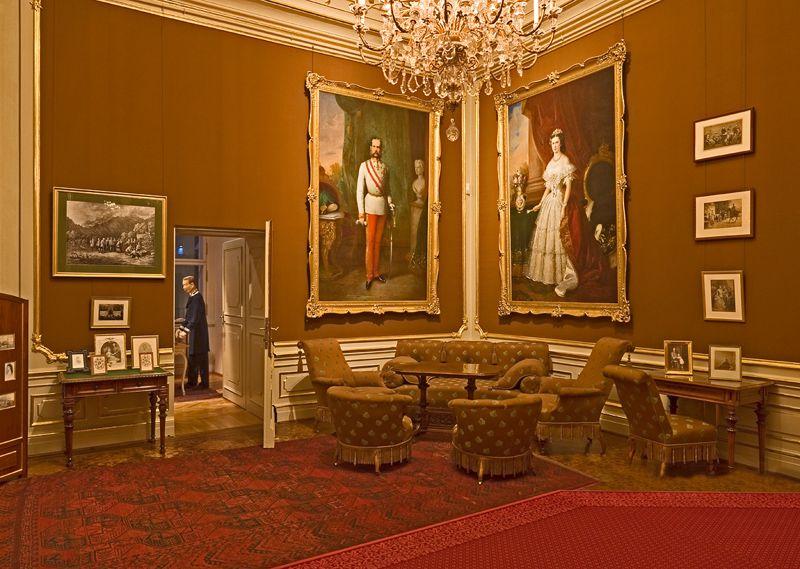 オーストリア・ウィーン観光「シェーンブルン宮殿」で行くべき4部屋を紹介!
