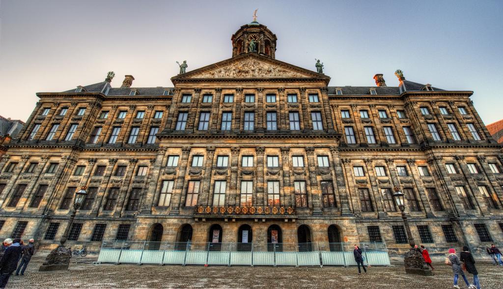 水の都オランダ・アムステルダムの観光スポットまとめ!ダム広場に絶対に行くべき理由とは?