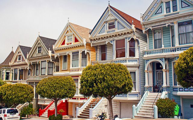 サンフランシスコ観光ならアラモ・スクエアへ!「フルハウス」で一躍有名となったビクトリアンハウスの街並み