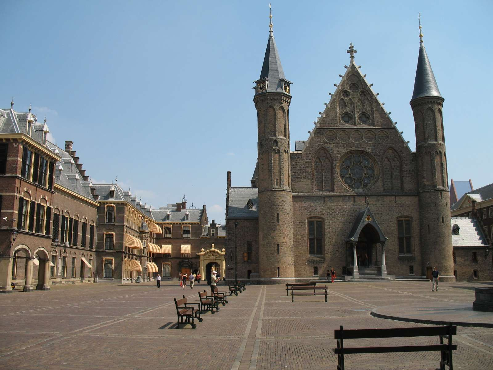 オランダ・ハーグ観光王宮・バラ園・騎士の館徹底ガイド!絶対にハズせない観光名所