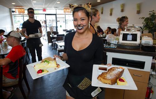 朝食におすすめ!ハワイ・ホノルルの人気カフェ「Moena Café」でパンケーキを