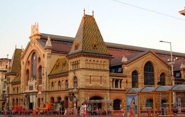 ハンガリー旅行のお土産おすすめ8選!ワインにフォアグラ、雑貨や陶器も!