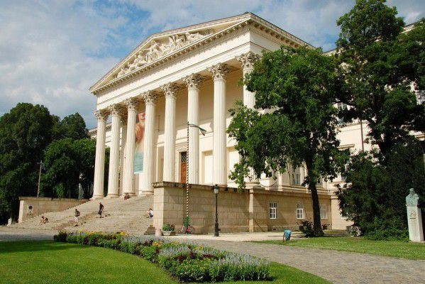 ブダペスト観光で人気の博物館3選!ハンガリーの歴史やアートを堪能