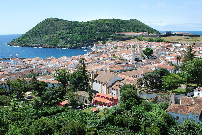 【ポルトガル】ヨーロッパ屈指のリゾート地VS大自然が残る美しい島