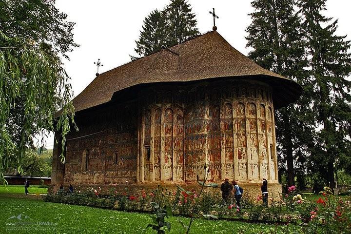 ルーマニア・モルドヴァ地方観光で行くべき修道院おすすめ5つ