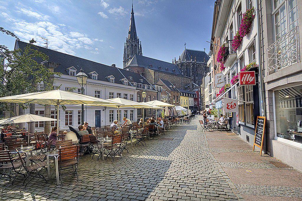 ドイツの古都アーヘン!旧市街で行くべき観光おすすめスポット