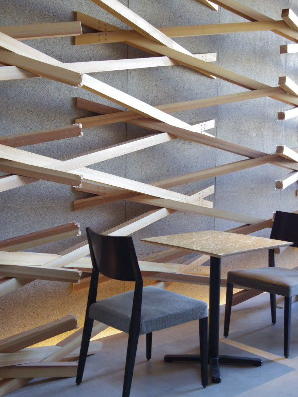 福岡・太宰府天満宮表参道のスターバックスは木組みを採用した建築がお洒落と話題