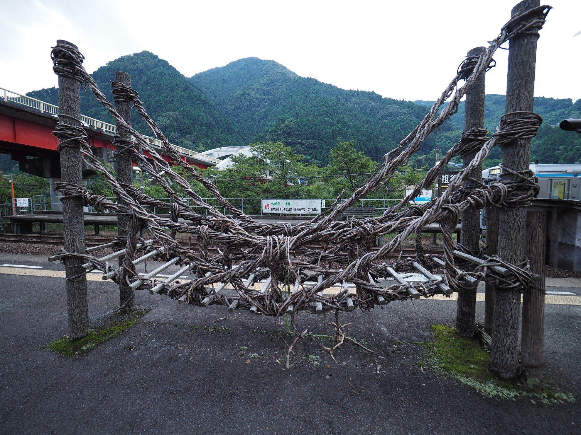 新幹線・特急列車「南風」で新神戸から岡山~高知の鉄道旅へ!