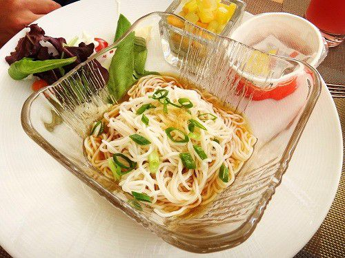 トランプ・インターナショナル・ホテル・ワイキキのレストラン「In-Yo Café」の焼き立てオムレツが絶品!