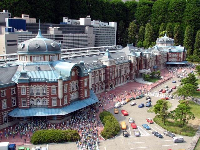 栃木・東武ワールドスクウェアで世界一周旅行!おもしろ人形を探そう!