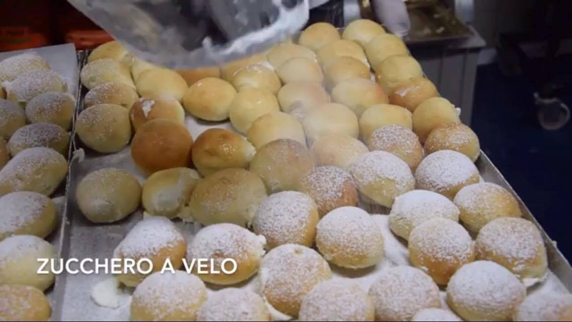 イタリア・ナポリで人気のドルチェおすすめ紹介?スイートピザにクリームパンも!