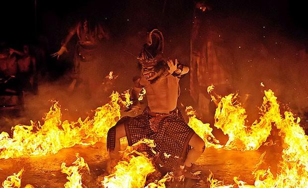 バリ旅行でおすすめのケチャダンス3選!インドネシアの伝統芸能が楽しすぎる!