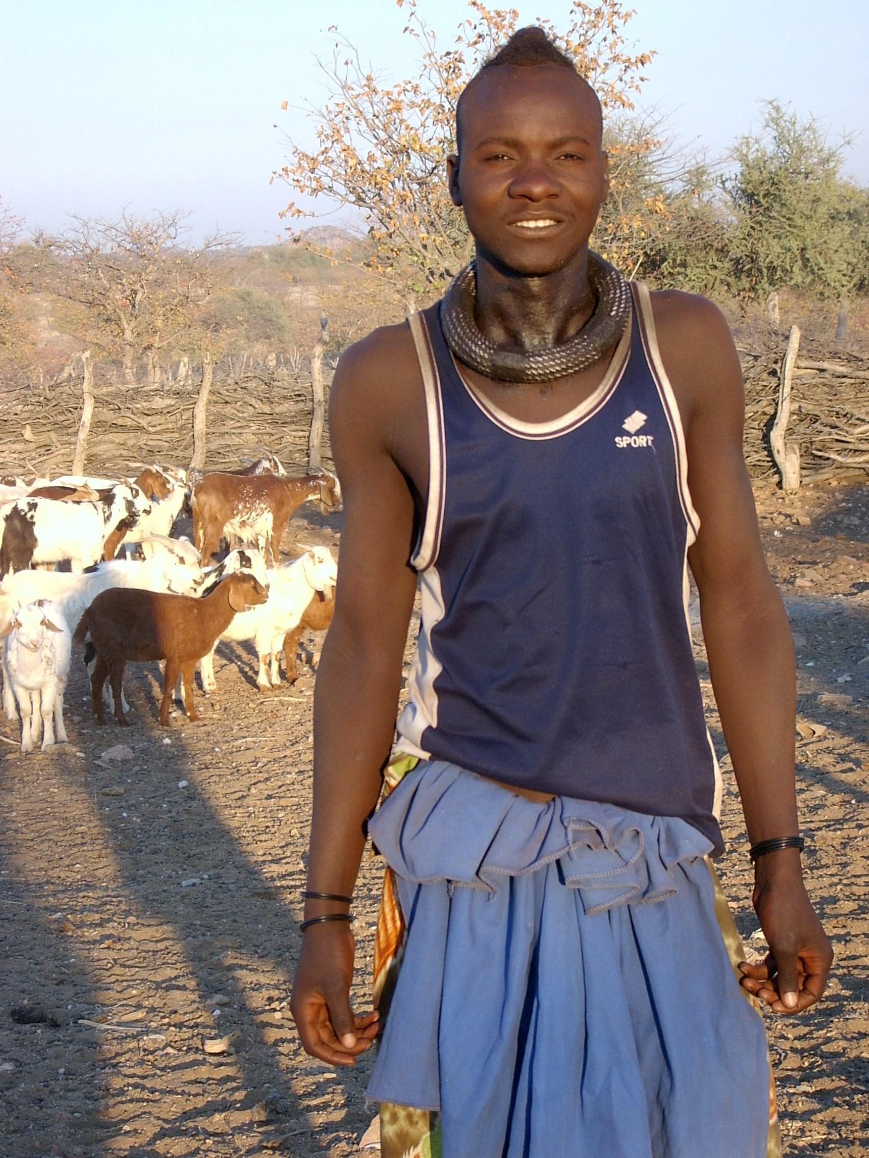 アフリカ・ナミビア旅行「ヒンバ族」に会いに行こう!一生に一度も体を洗わない世界で最も美しい民族とは