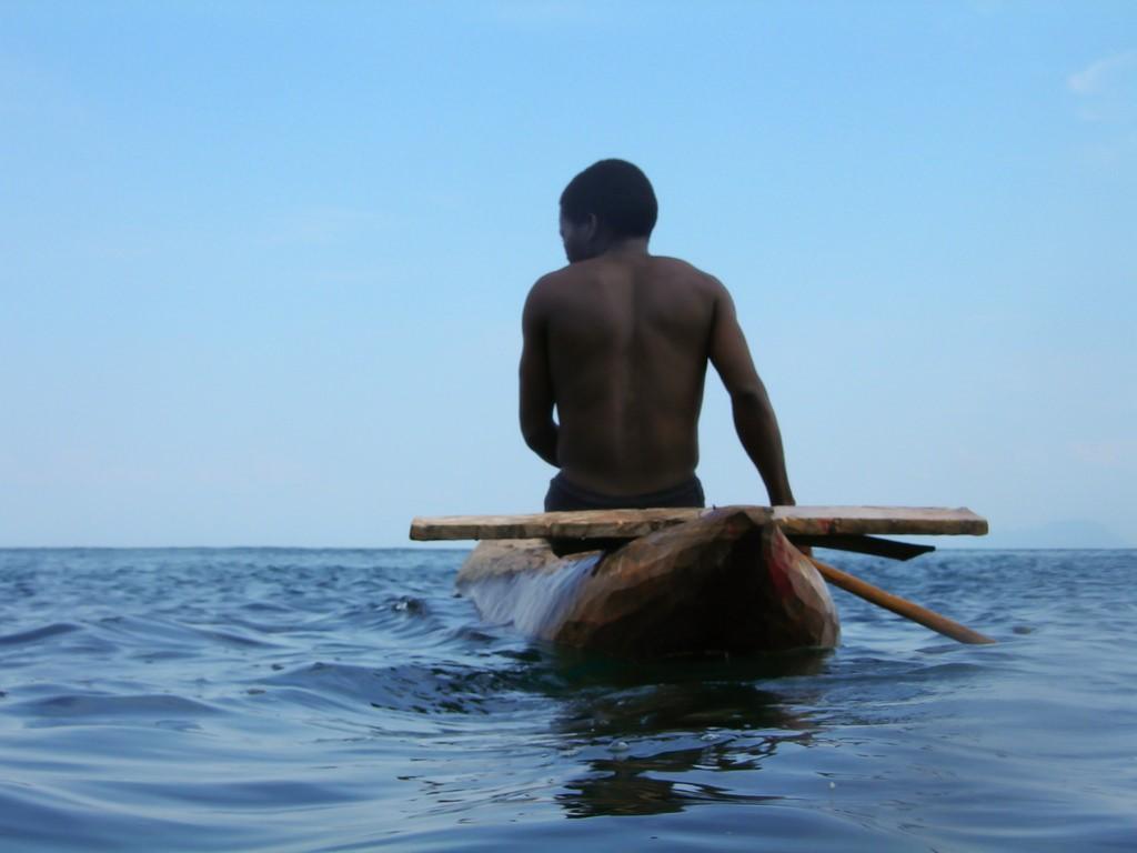 アフリカ旅行で世界自然遺産マラウィ湖へ!ダイビング&孤島観光旅行記