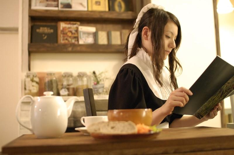 東京・秋葉原「私設図書館カフェ シャッツキステ」の魅力!新スタイルの本格メイド喫茶がそこに