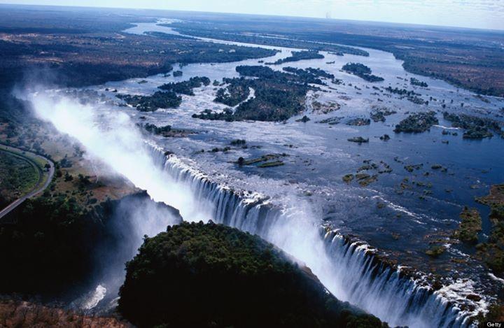 アフリカ・ジンバブエとザンビアの絶景!モシ・オ・トゥニャ / ヴィクトリアの滝