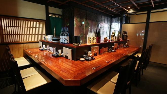 九州・福岡名物水炊き人気店5選!地元イチオシ鶏の旨みとコラーゲンたっぷりの絶品グルメをいただきます